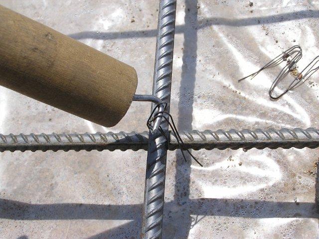 Вязка арматуры крючком