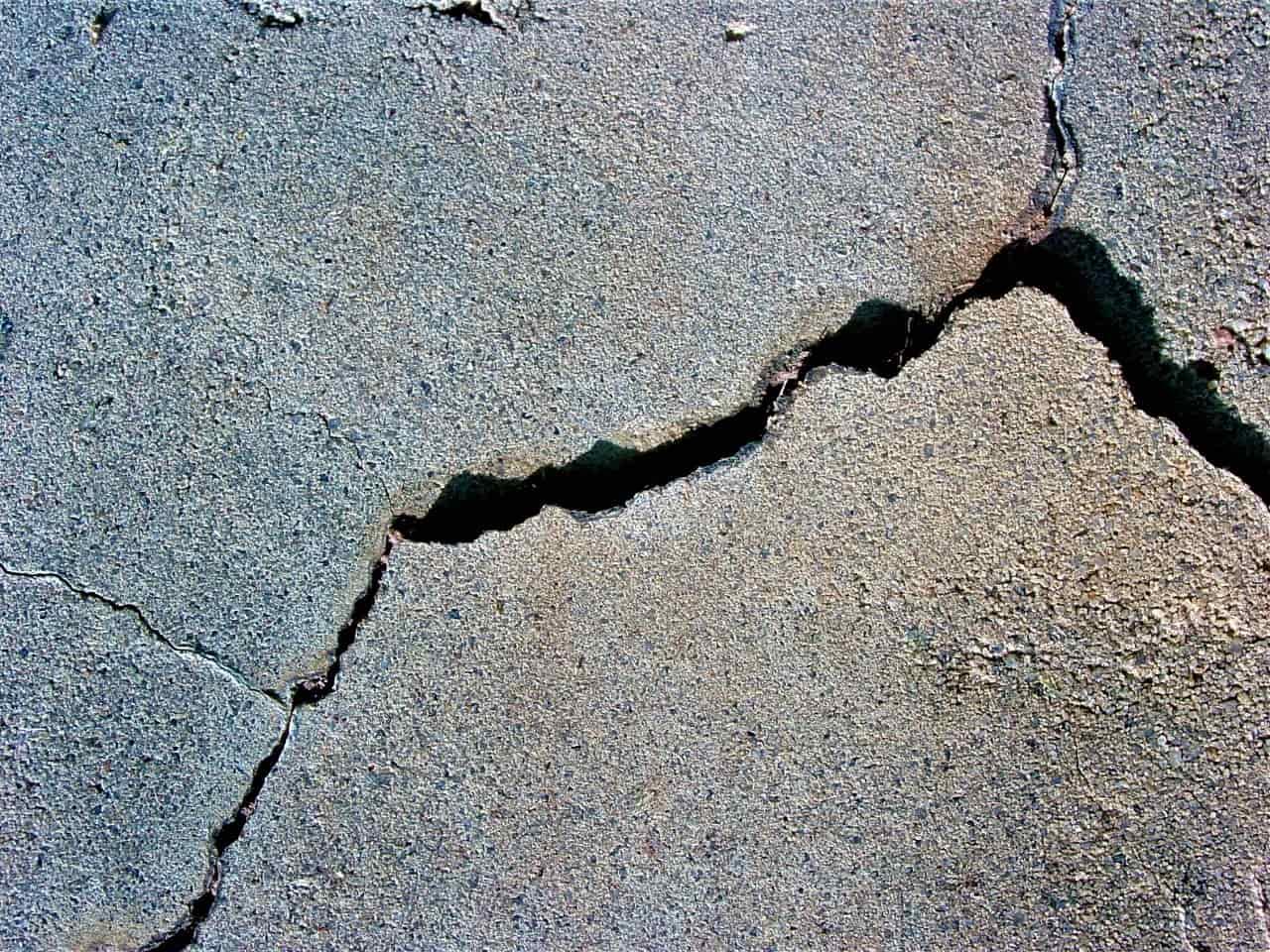 Механические повреждения бетона